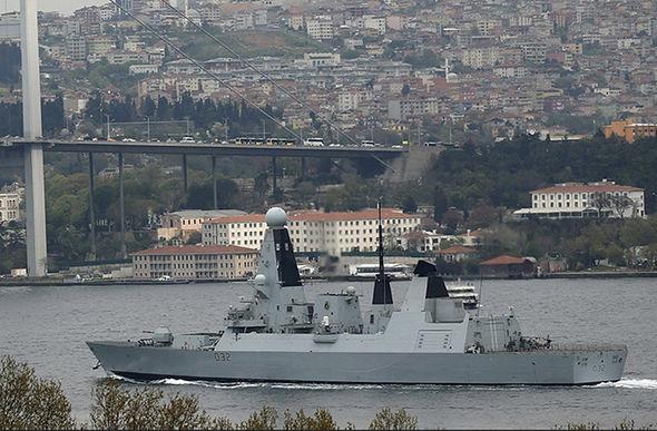 Лондон идет наобострение: вЧерное море зашел эсминец Daring