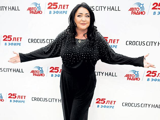 Лолита готова выступать за тысячу рублей и ездить на «Оке»