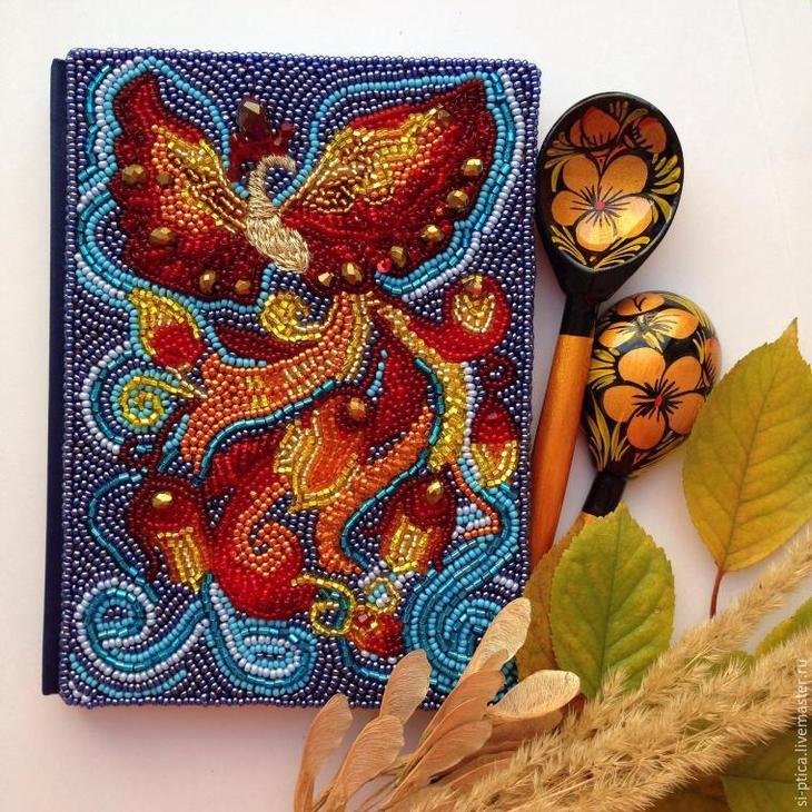 Превращаем обычный ежедневник в сказочный: украшаем блокнот вышивкой Жар-Птицы