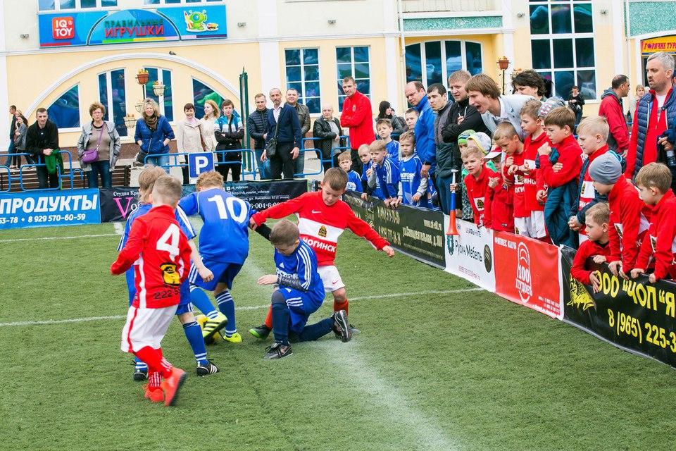 Развитием детского футбола в…