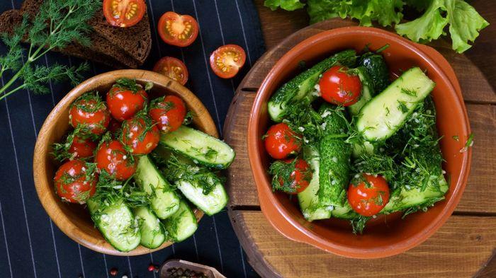 Малосольные овощи по-домашнему С дедом за обедом, Кулинария, Малосольные огурцы, Помидор, Еда, Вкусно, Видео, Длиннопост