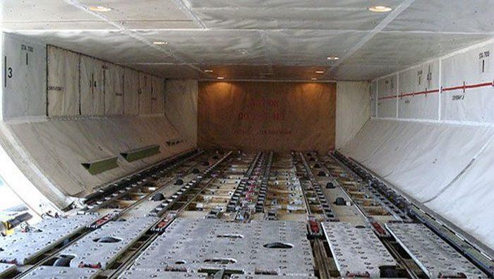 Авиасекрет: тела в грузовом отсеке.