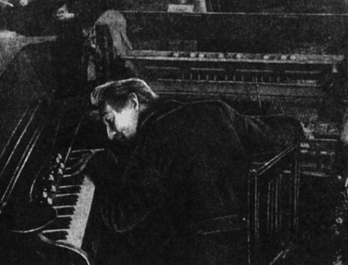 Как композитор Авраамов хотел написать самый странный гимн для СССР