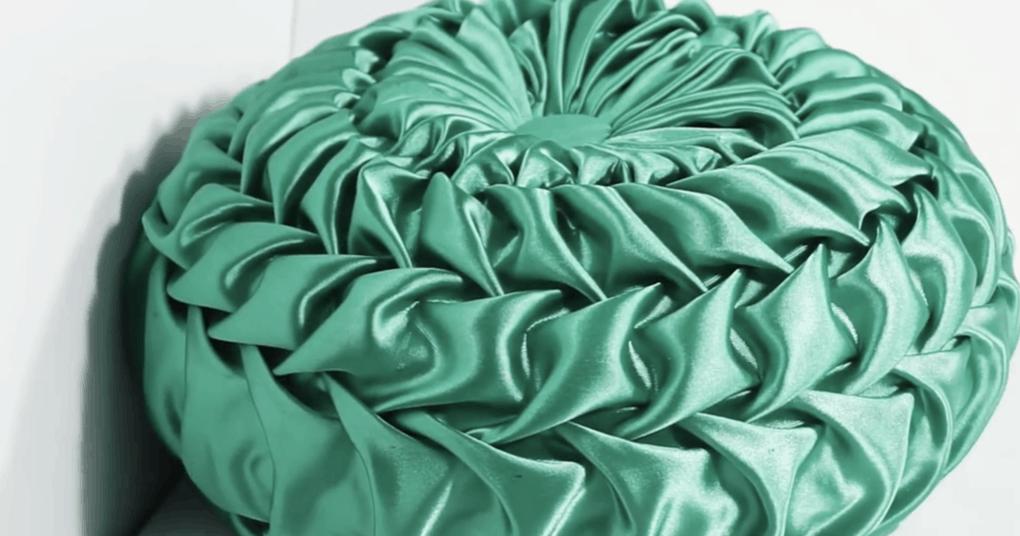 Декоративная подушка со скла…