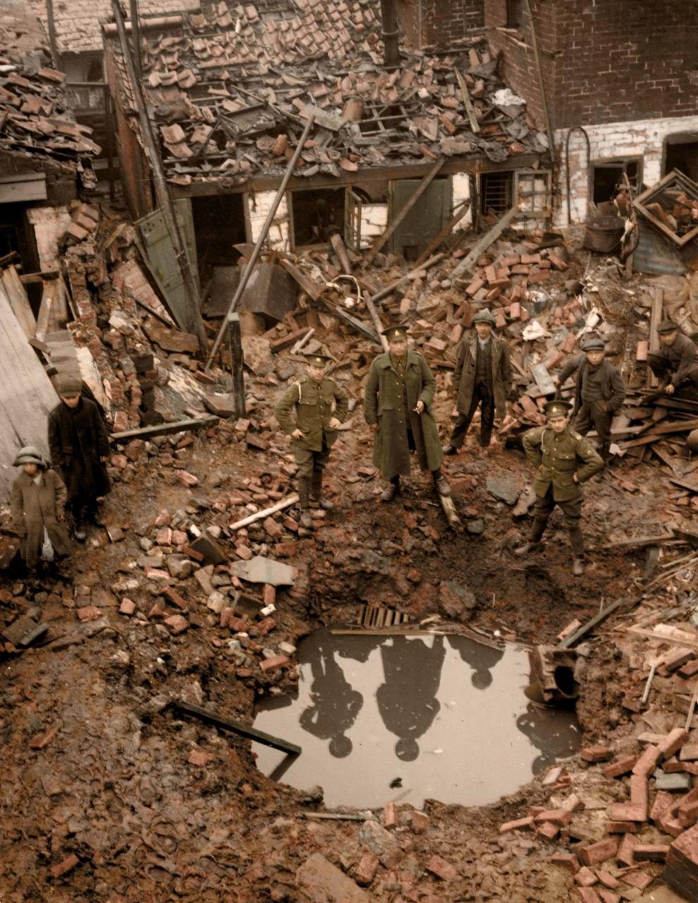 Разрушения в результате налета Цеппелинов, 19 января 1915 г. Кингс-Линн, Норфолк, Великобритания архивное фото, колоризация, колоризация фотографий, колоризированные снимки, первая мировая, первая мировая война, фото войны