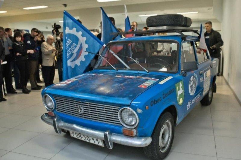 """""""Копейка"""", совершившая путешествие вокруг земли, подарена музею АвтоВАЗа"""