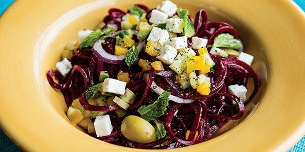 Рецепт греческого салата c мятой и запечённой свёклой