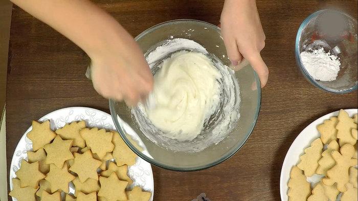Имбирное, медовое печенье в глазури. Печенье, Глазурь, Кулинария, С дедом за обедом, Рецепты еда, Видео, Длиннопост