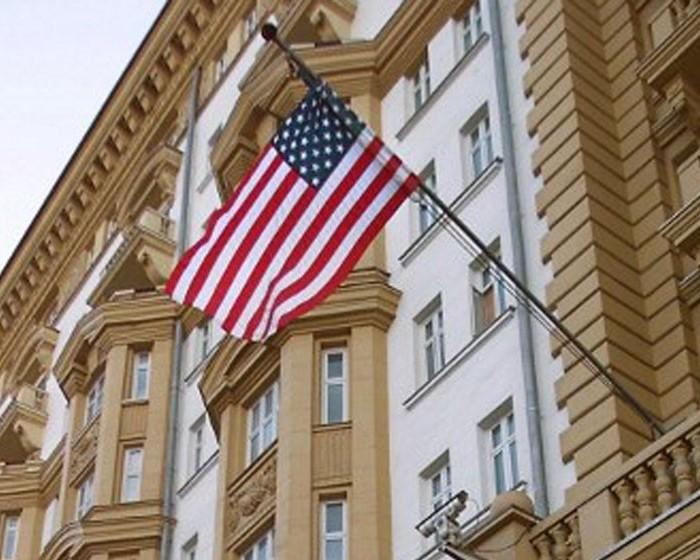 Несколько слов о том, почему российские власти не отвечают США пощёчиной на пощёчину