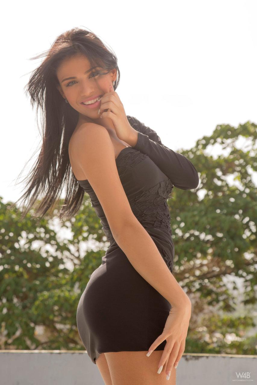 Ультросексуальная  Дениссе Гомес
