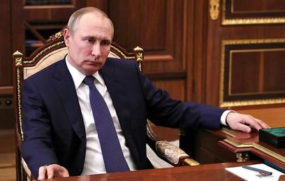 Путин поручил Медведеву проверить выполнение майских указов 2012 года