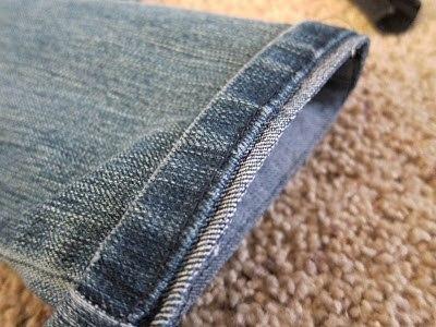 Подшиваем джинсы с сохранением фабричного шва 5
