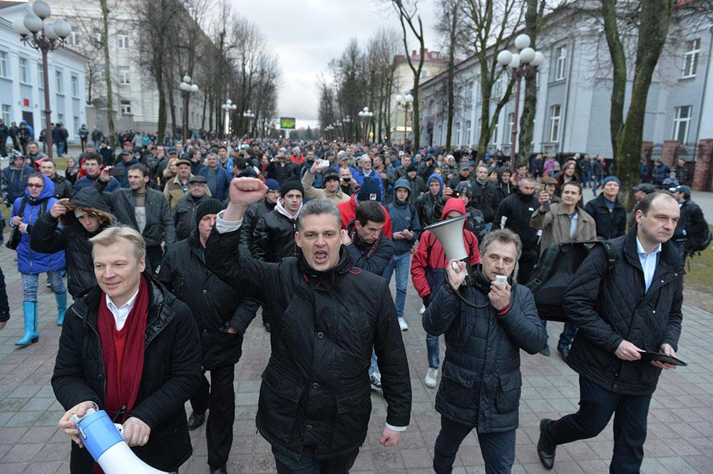 «Марши нетунеядцев» — Беларусь протестует.