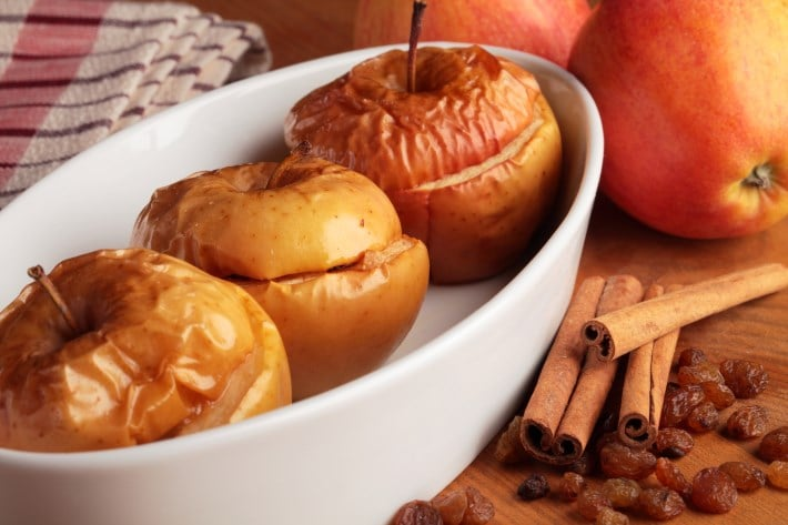 Топ-15 полезных свойств печеных яблок