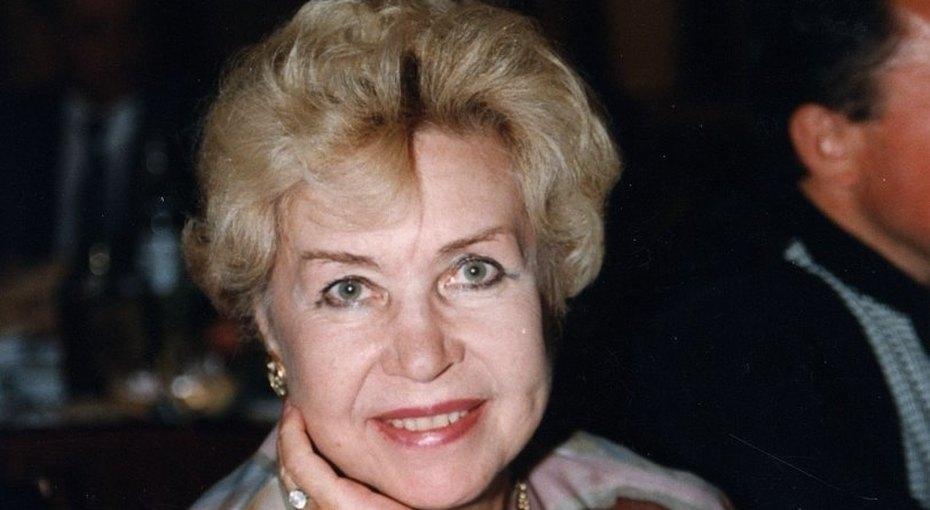 «Она непоймет, что случилось»: 92-летней Инне Макаровой нерассказывают осмерти Баталова