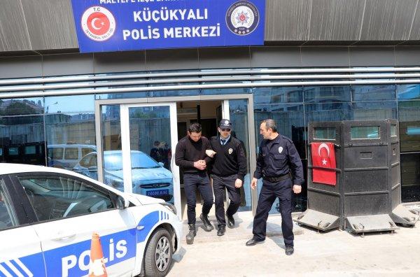 СМИ: ВСтамбуле задержана вооруженная группировка мигрантов изТуркмении