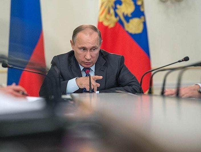 Путин собрал экономический блок правительства и попытался заставить его Родину любить