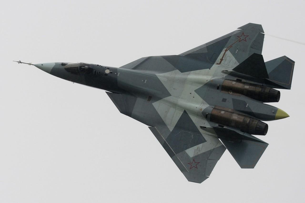 ВКС РФ: Поставки истребителей 5-го поколения в 2017 году будут в срок