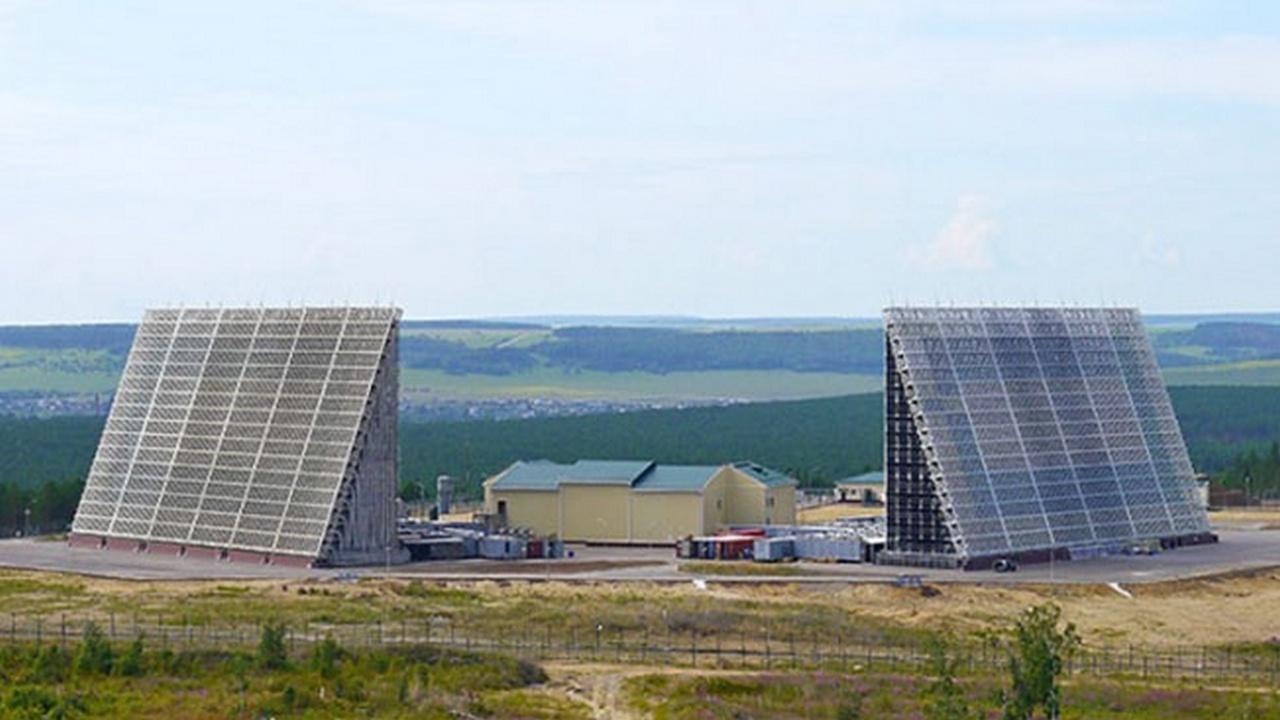 Заметят и собьют: почему для чужаков небо России в антенную «клеточку»?