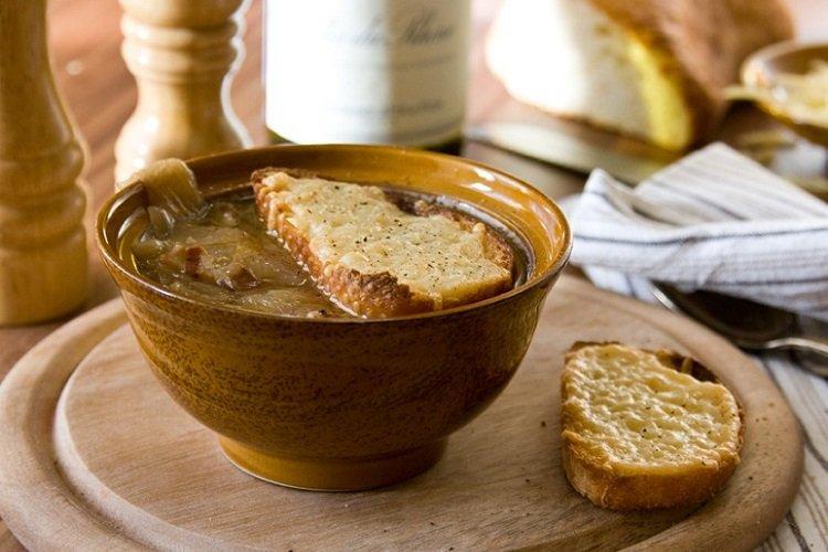Луковый суп по-испански