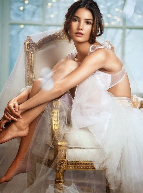 Девушки  Свадебное платье