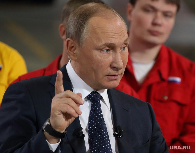 Путин распорядился отправить призывников на уральские заводы