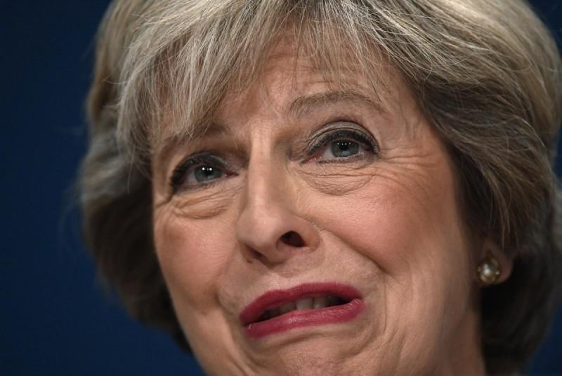Палата лордов Англии «прокатила» Терезу Мэй и Брексит