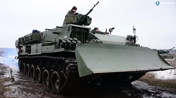 Украина начала производство нового эвакуатора для подбитых танков