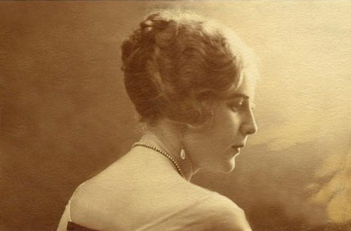 «Королева патефона» Изабелла Юрьева: любовь всей жизни в одном романсе