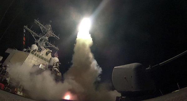 """Запуск Соединенными Штатами по территории Сирии более ста крылатых ракет """"Томагавк"""""""