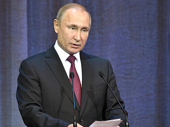 Российская власть свои забавы на рейтинги не меняет