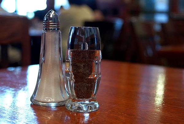 Почему соль и перец — основные приправы на нашем столе?