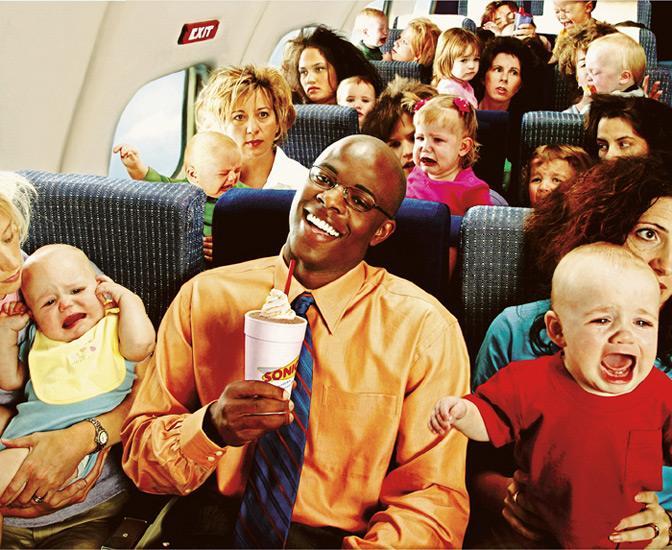 Она была потрясена, увидев в самолете мужчину с 6 детьми: «Извините сэр, но это все Ваши дети?»