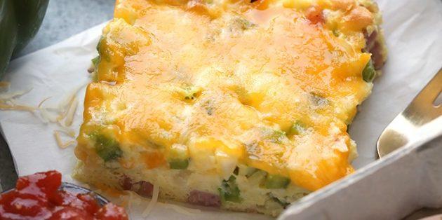 Как приготовить яйца в духовке: Фриттата с ветчиной и болгарским перцем
