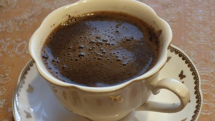 Что будет, еÑли ÑъеÑÑ'ÑŒ Ñблоко и выпить кофе: ЭкÑперт назвал интереÑный факт про утренний напиток