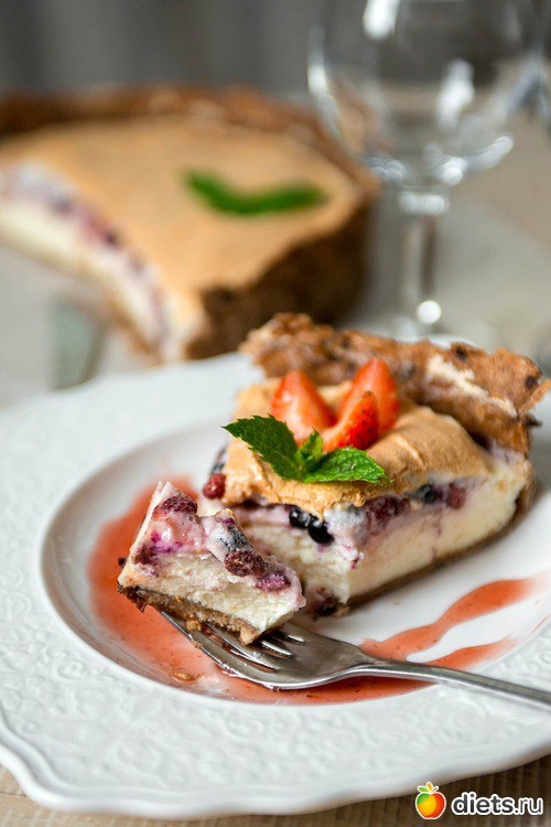 Вкуснейший ягодный десерт с творогом и меренгой