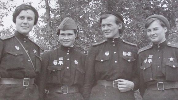 «Ночная ведьма» Ирина Ракобольская — о себе, о войне и о памяти