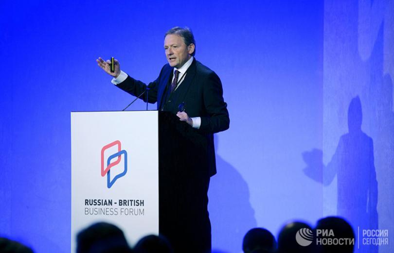 Беглые олигархи уже просят Россию простить их и впустить обратно.