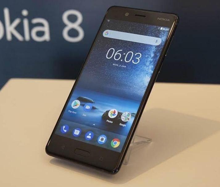 Составлен топ-10 смартфонов по цене до 30 тысяч рублей