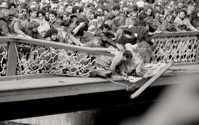 Ленинград. Открытие фонтанов в Петергофе. Май 1983 года история, люди, мир, фото