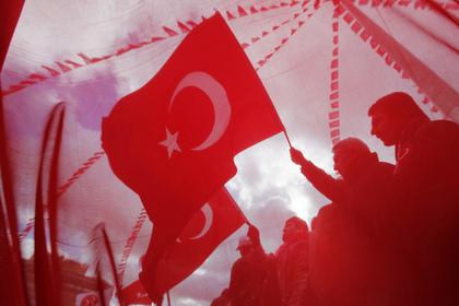 Турция начала торговую войну с США
