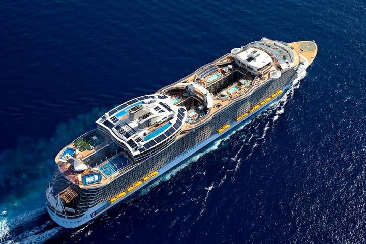 The cruise ship photos