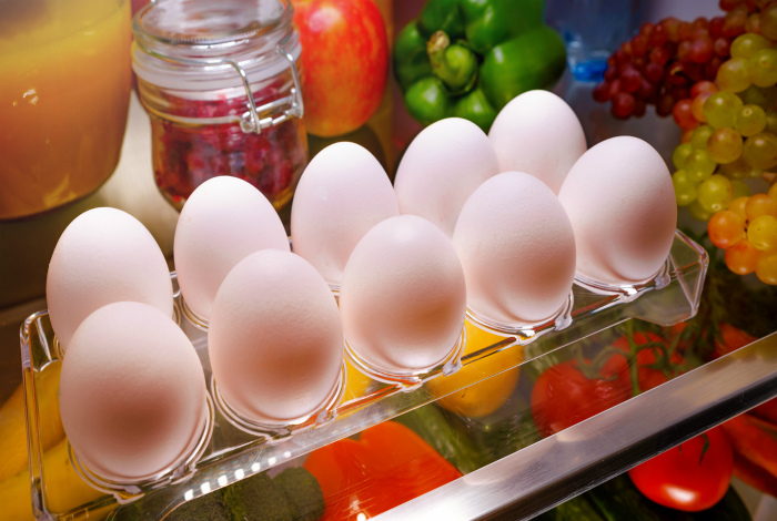 Где хранить яйца?   Фото: Лайфхакер.