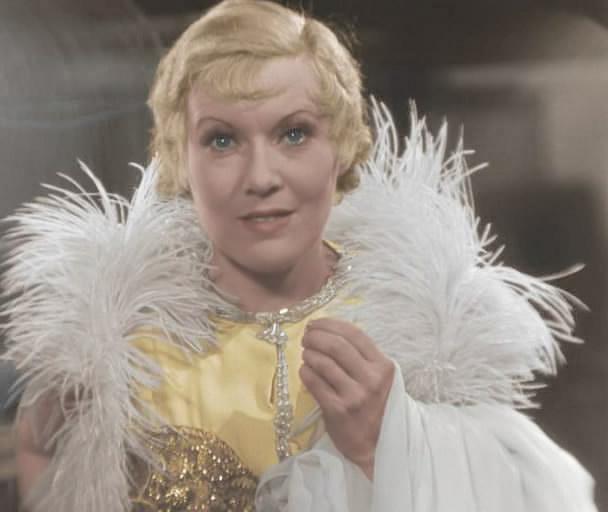 Самые стильные советские актрисы, с которых стоит брать пример