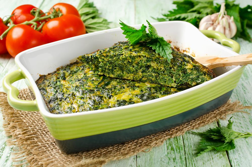 Омлет с крапивой и зеленым луком
