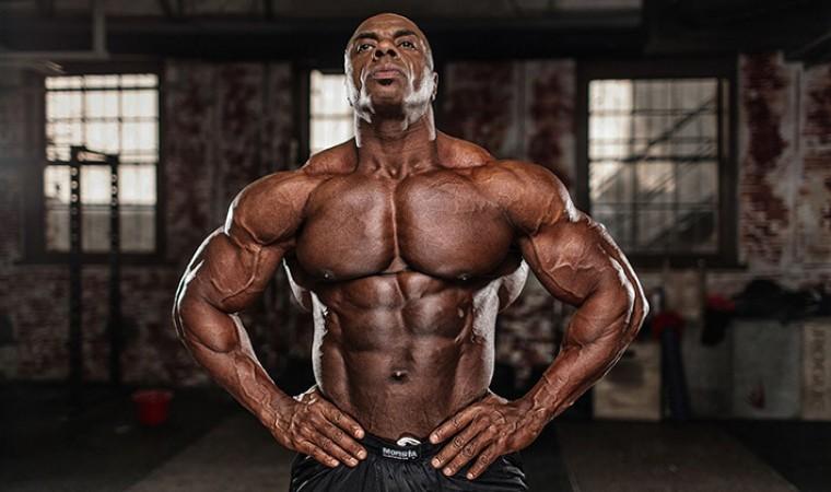 Тренировки для мужчин. Упражнения для груди на тренажерах