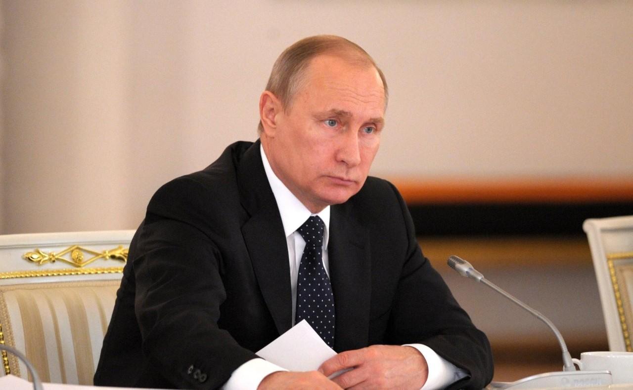«Прораб на галерах»: история Владимира Путина и России