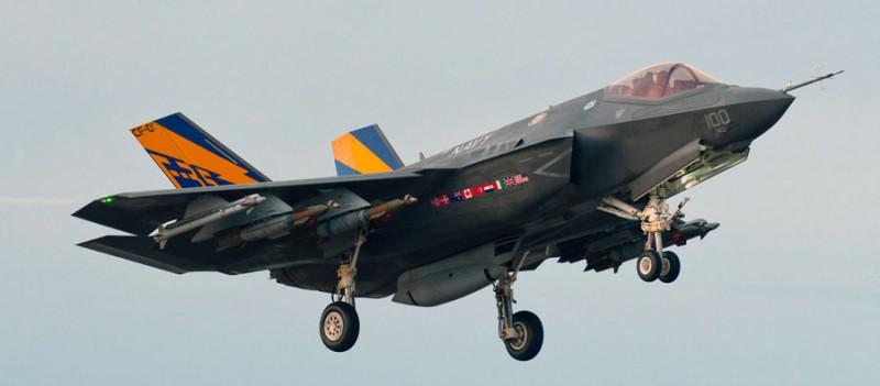 Деградация F-35: США вооружат свой новейший истребитель импортными ракетами