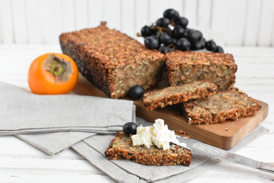 Хлеб без муки с гречкой, орехами и семечками — вкусное начало дня!