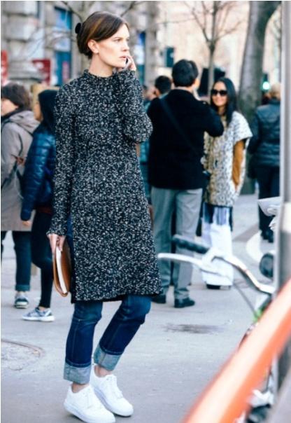 Тренд сезона —  модные модели платьев-свитеров на 2017-2018 год